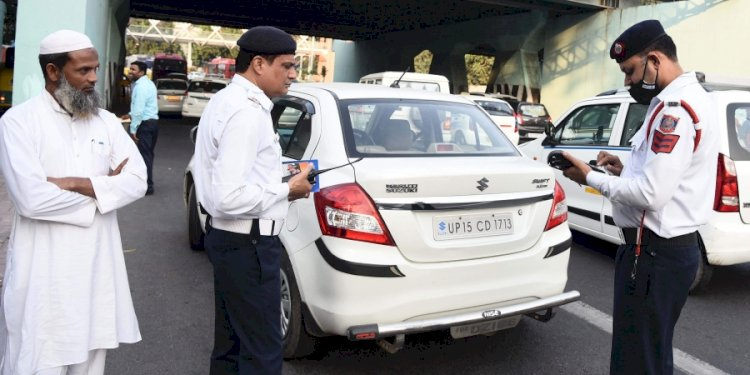 Delhi: Vehicles without HSRP, colour-coded stickers to be fined ₹5,500 from today