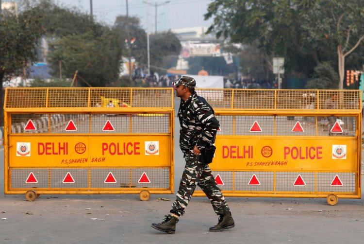 Total Curfew In Delhi From Tonight Till Next Monday Morning
