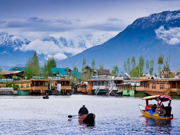 IRCTC Offers 6-Day Tour Package From Mumbai to Srinagar at Only Rs 27,300