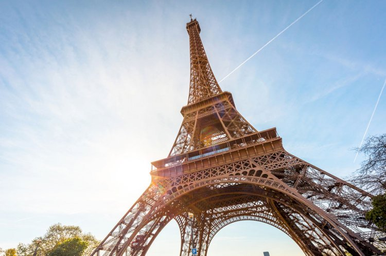 Eiffel Tower to Reopen Following Protest Over Long Queues