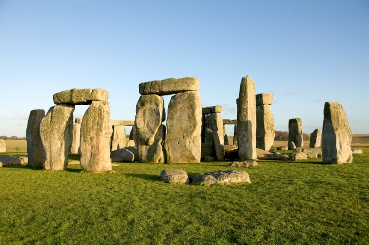 Who Built Stonehenge? Cremation Ashes Yield Clues