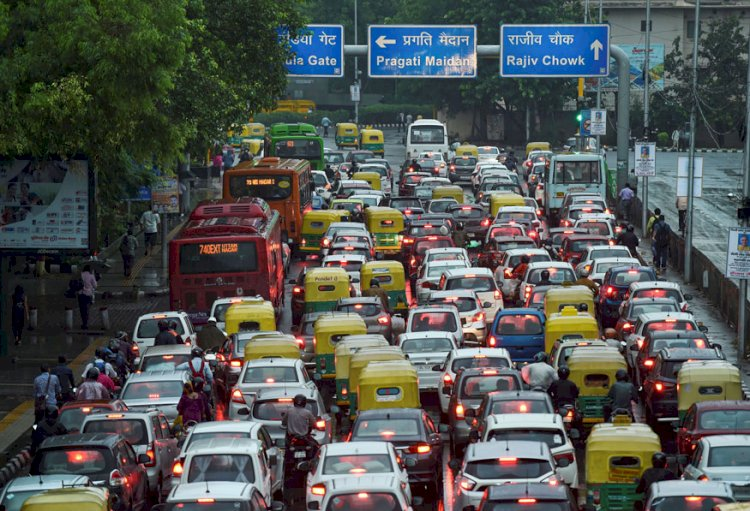 Now Pay Hefty Fines For Traffic Violations From September 1, New Motor Vehicles Act Notified