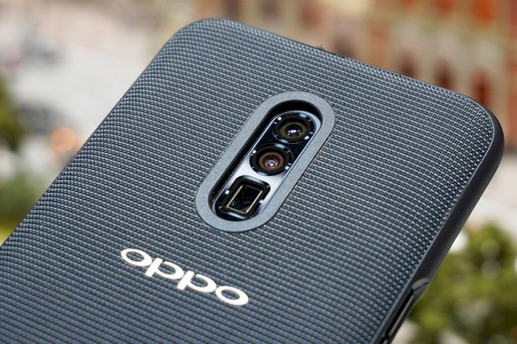 Oppo Teases Phone With 4,000mAh Battery and Upgraded Super VOOC Charging