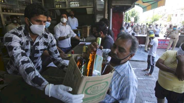 Delhi govt likely to remove 70% corona tax from alcohol
